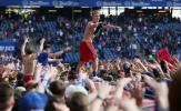 Lội ngược dòng ngoạn mục, Hamburger SV là CLB hạnh phúc nhất đêm nay