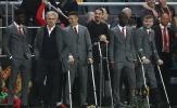 Chùm ảnh: Cảm động dàn 'thương binh' M.U đứng cổ vũ trong trận chung kết