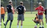 Góc chiến thuật: Sự 'phân vân' của Wenger