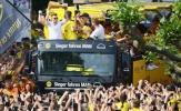 Mặc chấn thương, Reus vẫn tưng bừng đón cúp cùng Dortmund