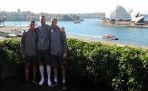 Wenger dẫn đầu, đoàn quân Arsenal đặt chân đến Australia