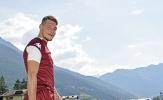 Giữa bão tin đồn, Belotti lại xuất hiện tươi rói trên sân tập của Torino