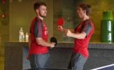Ramsey cay cú khi bị hạ gục trong môn bóng bàn