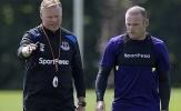 Koeman 'kèm cặp' Rooney tận tình trong buổi tập trên đất Hà Lan