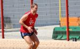 Chứng kiến đội nhà thảm bại, Neuer, Robben không thể 'ngồi yên'
