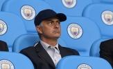 Mourinho xuất hiện cực ngầu ở Etihad, thám thính Man City