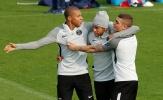 Neymar & Mbappe 'song kiếm hợp bích' quậy tưng sân tập PSG