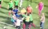 Cầu thủ Singapore hỗn chiến trên sân