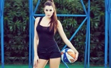 Nữ cầu thủ sexy nhất hành tinh hứa 'lột đồ' nếu Juve hạ Barca