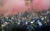Chưa tới 'giờ G', CĐV Feyenoord đã 'quẩy nát' thành phố Manchester