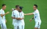 'Lão tướng' Ronaldinho lại gây choáng với siêu phẩm từ giữa sân
