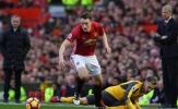 Arsenal phung phí số 1, M.U hiệu quả nhất Premier League