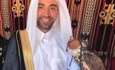Xavi như một nhà quý tộc trong trang phục của Qatar