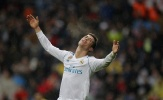 Sút mãi không vào, Ronaldo 'mếu máo' dưới màn mưa