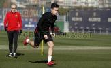 Coutinho lại lủi thủi tập một mình ở Barcelona