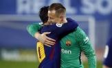 Man City bị hạ gục, giờ Barcelona là duy nhất