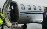 Sanchez khoe ảnh lên máy bay đến Manchester