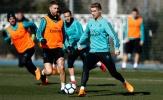 Ronaldo khiến đồng đội bở hơi tai trên sân tập