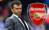 Enrique 'tỏ tình', fan Arsenal lạnh lùng ngó lơ