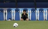 Son Heung-min lo lắng trên sân tập Hàn Quốc trước trận mở màn