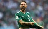 Arsenal dành sự quan tâm cho 'người hùng' Mexico