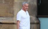 Mourinho đi dạo 'xả stress' trước lịch thi đấu dày đặc của Man United