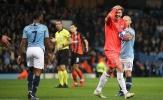 Cầu thủ Shakhtar Donetsk phản ứng ra sao khi nhìn Sterling 'vấp cỏ' thành công?