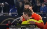 Ngoài bàn thắng, người hùng tuyển Hà Lan còn ghi điểm vì hành động này
