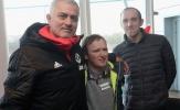 Mourinho và dàn sao Man Utd hóa 'ông già Noel' trước trận gặp Fulham