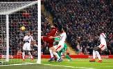 'Salah đang ăn vạ như Ronaldo'