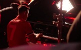 Đừng đến Man Utd chỉ để đánh piano, Alexis Sanchez!
