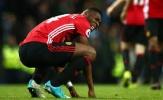 Bị Wan-Bissaka chiếm chỗ, 'quái thú chân pha lê' đếm ngày rời Man Utd