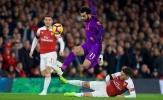 ''Arsenal cách xa Man City và Liverpool cả triệu dặm''