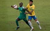 Quá kinh khủng, Sadio Mane biến 2 hậu vệ Brazil thành 'trò hề'