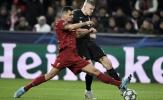 Liverpool thi đấu, người Man Utd xuất hiện để làm gì?
