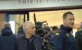 SỐC! Mải nói chuyện với gái, Terry bị Mourinho cho ăn đòn