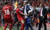 Carragher tiết lộ lý do Mourinho không thể dẫn dắt Liverpool
