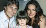 Đọ nhan sắc dàn hậu phương của các HLV nổi tiếng: ngất ngây với vợ của Conte