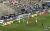 Khung thành mở toang, sao Bundesliga bỏ lỡ tình huống kinh điển