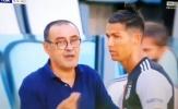 Ronaldo lắc đầu khi được Sarri ra chỉ đạo