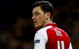 Không ra đi, mùa tới Ozil sẽ tiêu tốn của Arsenal bao nhiêu?