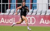 Lewandowski khoe cơ bắp cuồn cuộn chẳng kém Ronaldo trên sân tập