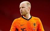 'Cậu ấy vừa trở lại nhưng đã hay hơn Donny van de Beek'