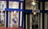 CĐV nghẹn ngào khi Real gỡ tên, bóc hình Ronaldo trong phòng thay đồ