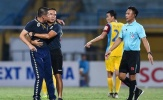 'Đại chiến' với HAGL, Hà Nội FC mất thuyền trưởng do 'ăn thua' với trọng tài