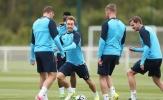 Mặc sức nóng của derby London, buổi tập của Tottenham vẫn tràn đầy tiếng cười