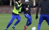 Kante và Luiz so kè quyết liệt trên sân tập, sẵn sàng hạ Arsenal