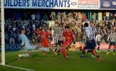 Leicester bị đá khỏi FA Cup bởi 10 người của CLB hạng ba