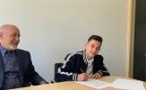 NÓNG! Con trai của cố đội trưởng Sevilla được Real 'cưu mang'