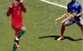 Patrice Evra gây sốt với loạt 'ảnh chế' cực độc bên cạnh Ronaldo
